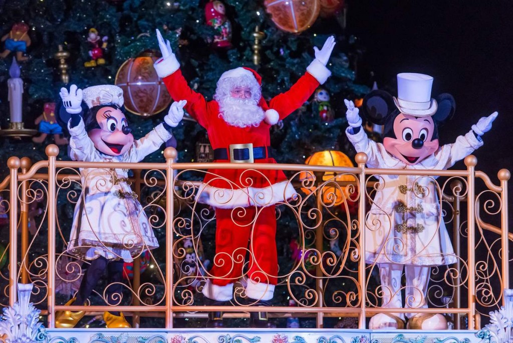 mickey-magie-lumieres-noel