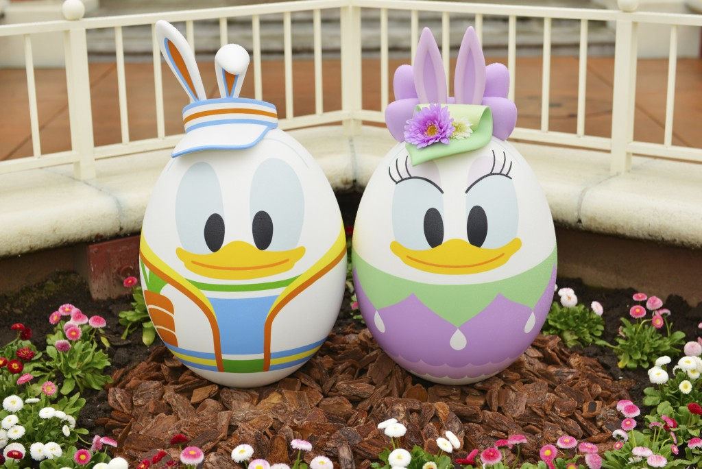 Donald-Duck-and-Daisy-Easter-Eggs-Tokyo-Disney