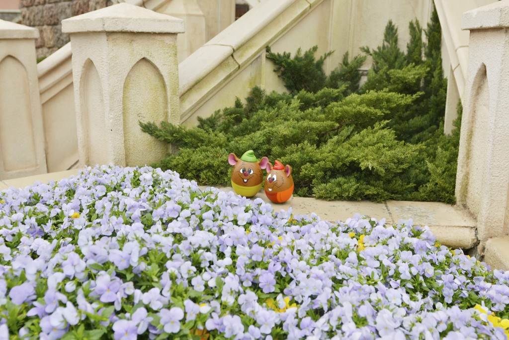 Gus-and-Jaq-Cinderella-Easter-Egg-Tokyo-Disney