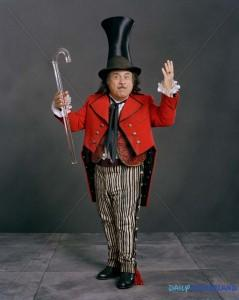 Danny Devito, inerprétant déjà un maître de cirque dans Big Fish ©http://cdn.chud.com