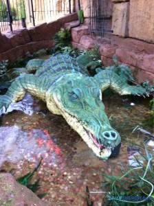 Crocodile du Rainforest Cafe, qui a bien besoin d'une cure de jouvence ©Pinterest