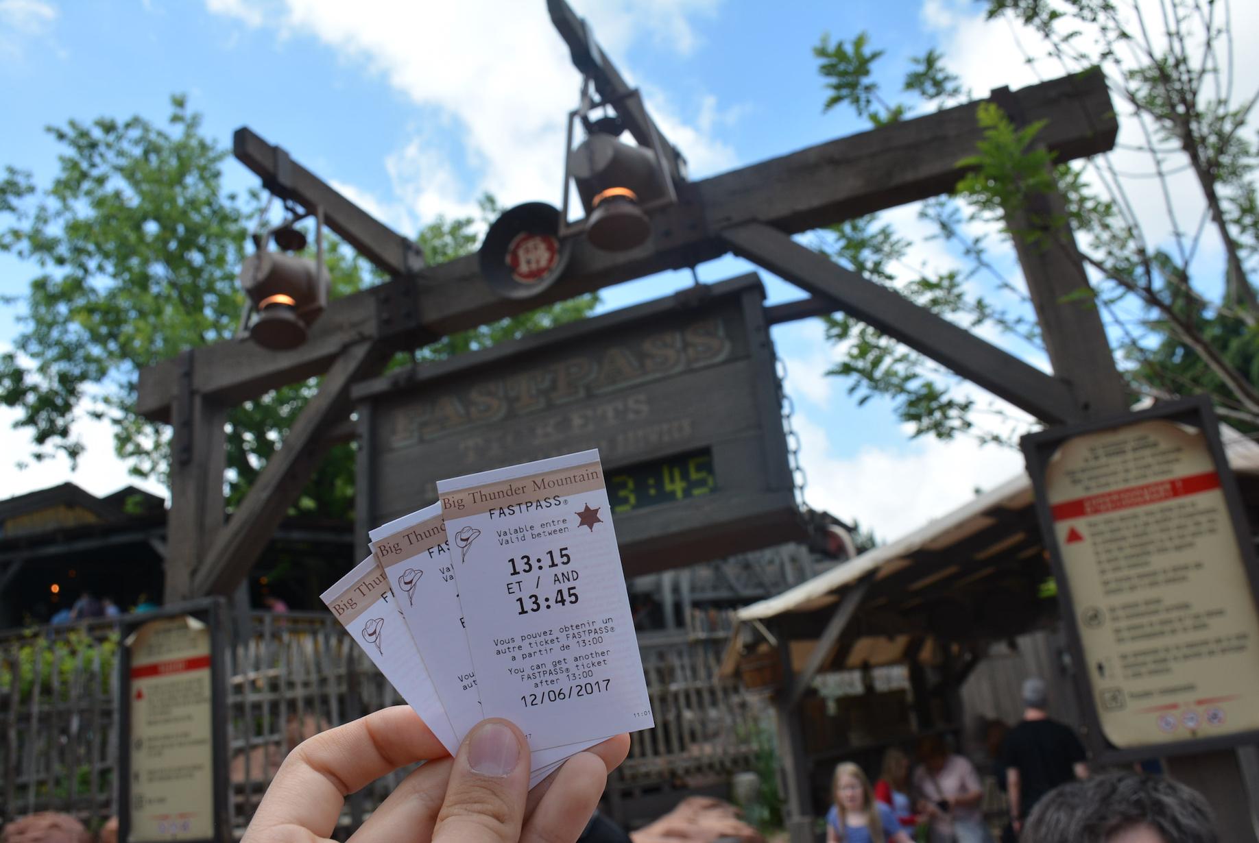 Fastpass Disneyland Paris abandon fin fastpass disney